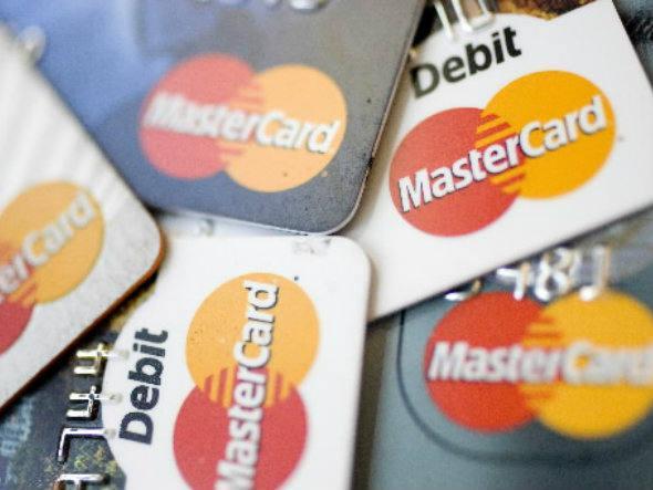 Mastercard lança sistema que aceita cartões em ônibus e trem