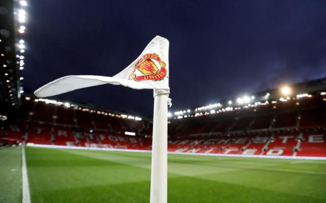 Manchester United vs Stoke City, Premier League: live score updates