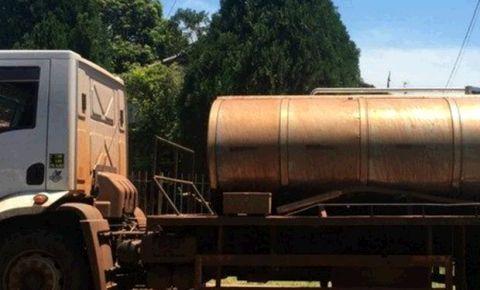 Polícia apreende mais de 3 toneladas de maconha em caminhão de leite