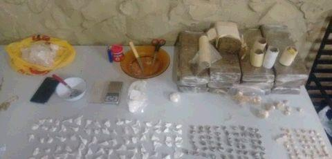 Polícia apreende maconha, cocaína e crack com dupla em Assis